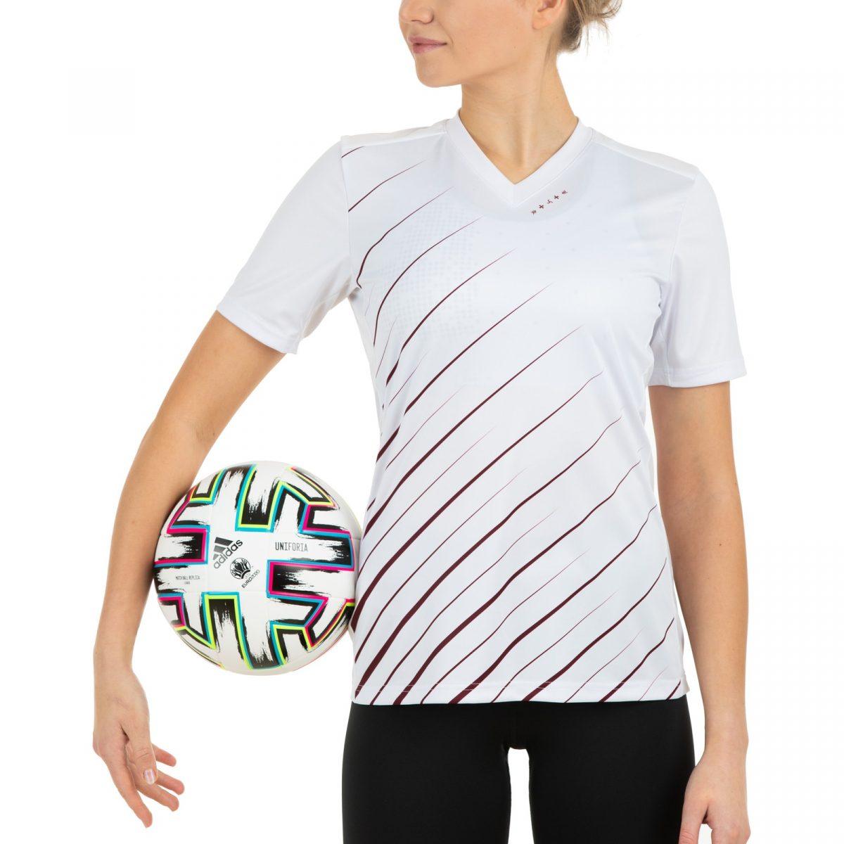 Futbola fanu krekls izbraukuma spēles